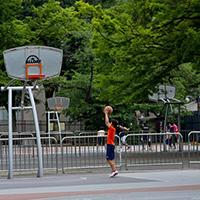 N612_yoyogikouendebaskwosurusyounen-thumb-autox600-14090