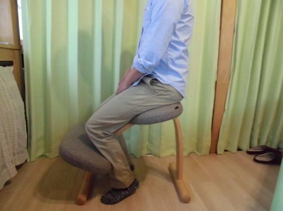 腰痛ストレッチ 椅子2