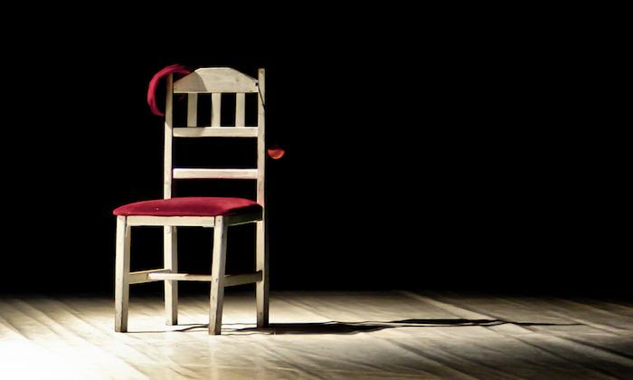 腰痛ストレッチ 椅子8